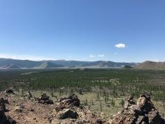 Vue en haut du volcan en Mongolie