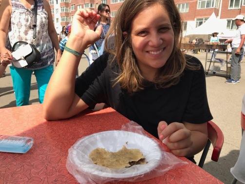 Un khuushuur dégusté pendant le Naadam