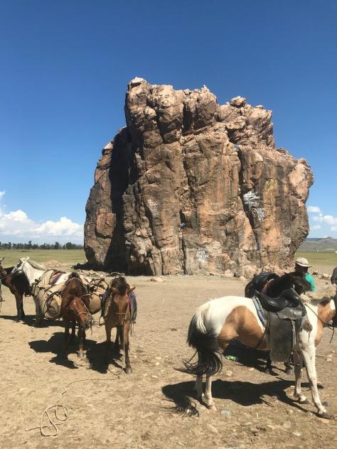 Tour a cheval autour de Taikhar rock