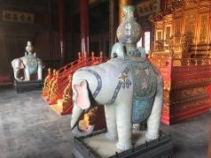 Des statues d'éléphants dans la Cité Interdite