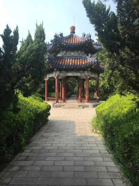 Pavillon rouge dans le parc du temple du Ciel