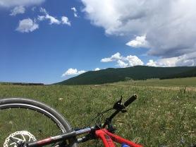 Pause dans les steppes mongoles en Arkhangai